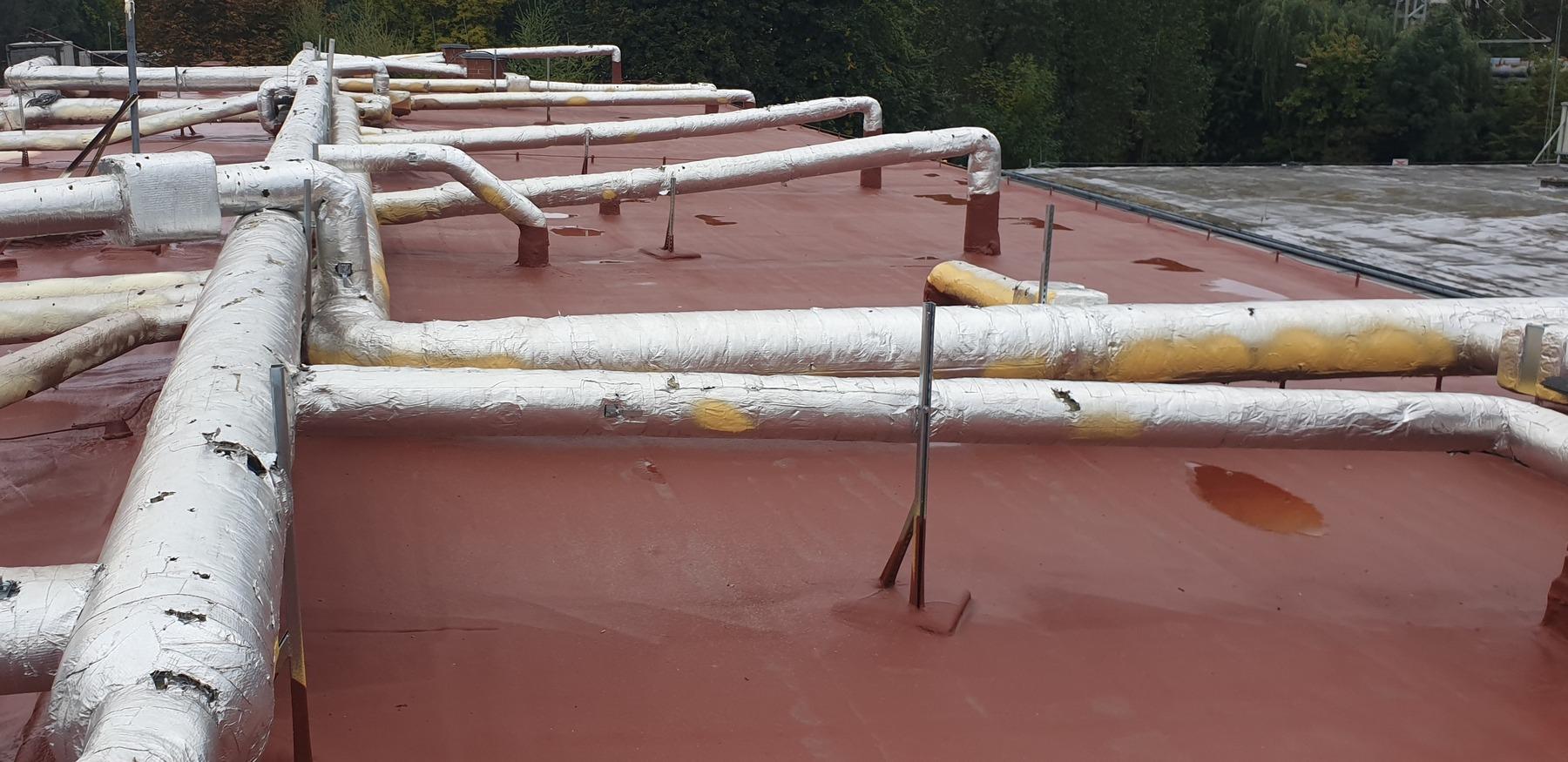 Hydroizolacja dachu płaskiego pianą poliuretanową
